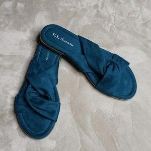 Chinese Laundry Slides